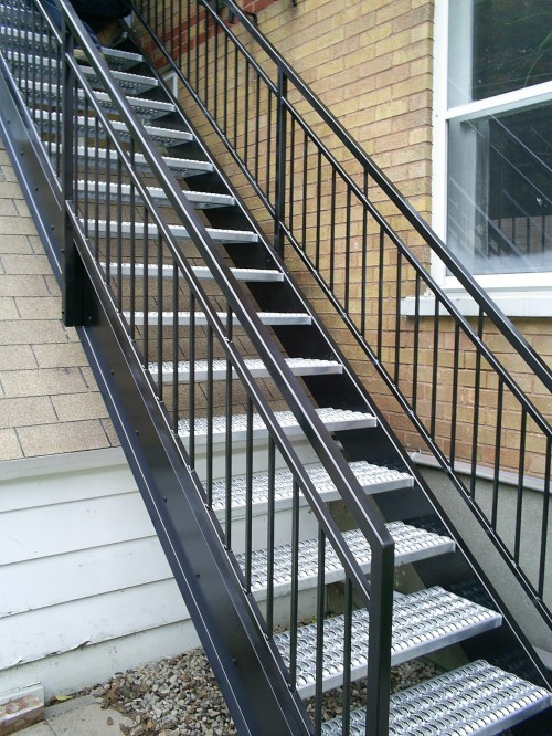 R alisations ext rieures enfer design fabrication d for Escalier en metal pour exterieur